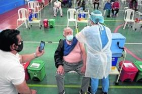 Covid-19: vacinas geram alta de imunidade em idosos, revela pesquisa